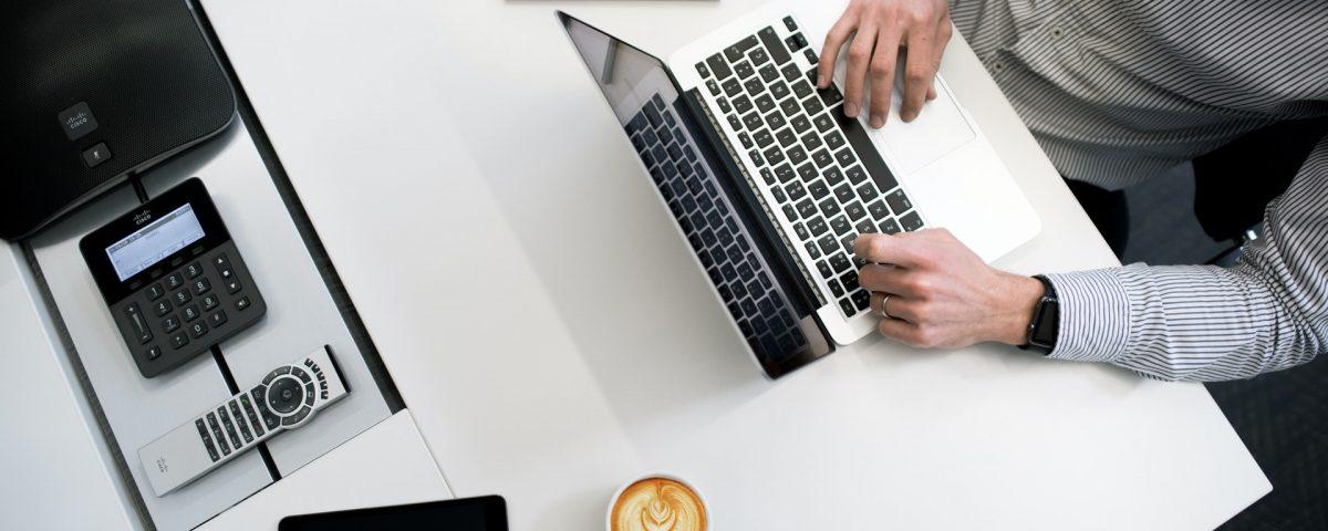 Jak zalożyć firmę przez internet?